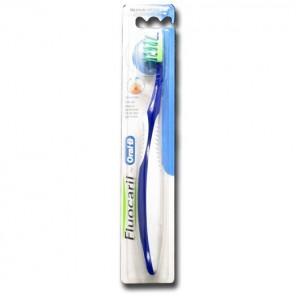 Fluocaril brosse à dents gencives medium